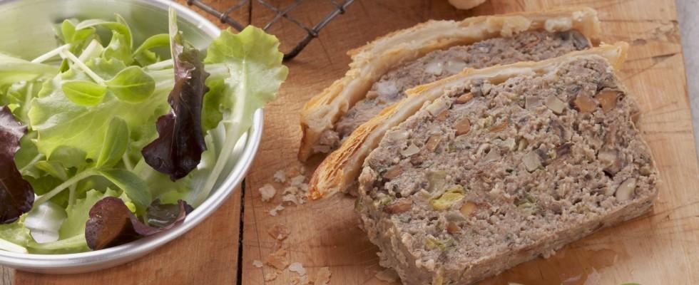 Terrina di carne e funghi in crosta