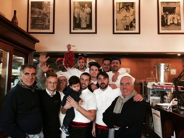 Lo staff della pizzeria Lombardi (1)