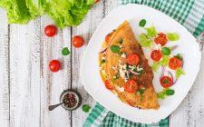 Come fare l'omelette fiori di zucca con la ricetta facile