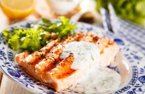La salsa allo yogurt per accompagnare il salmone