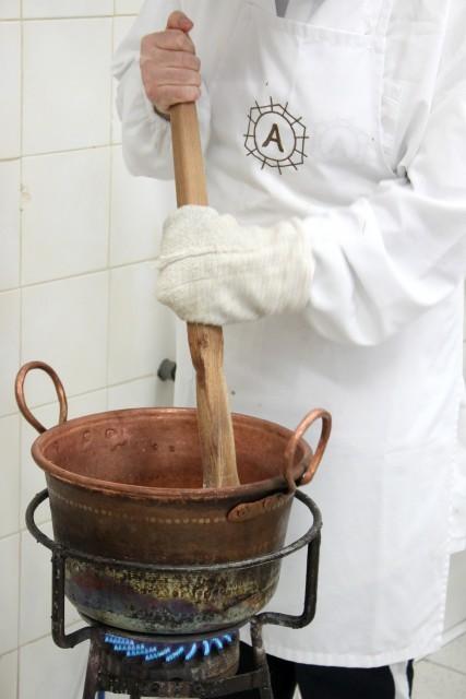 Autore copper pot