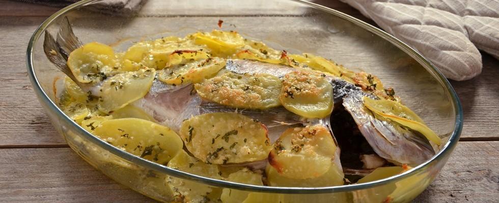 Orata alla pugliese: patate e pecorino