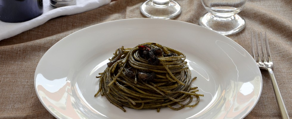 Pasta al nero di seppia: sapore di mare