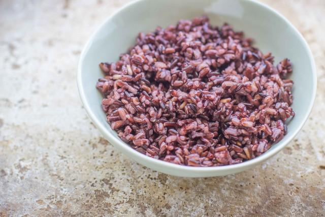 Step 1 insalata di riso venere con verdure