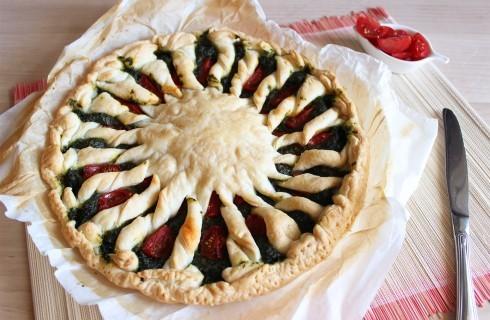 Torta salata vegana spinaci e pomodori