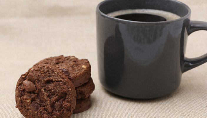 Ecco i biscotti con farina di mandorle e cacao perfetti per la colazione