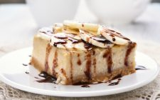 Cheesecake con banana e cioccolato, il dessert facile e goloso