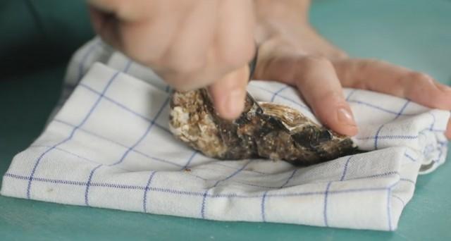 come aprire le ostriche 02