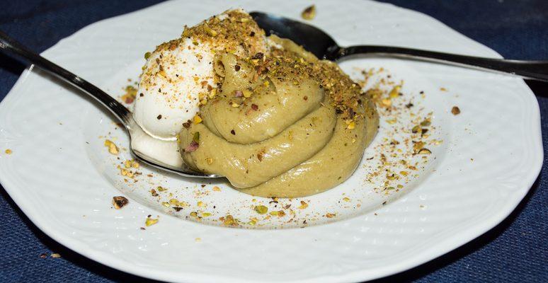 La crema al mascarpone e pistacchio con la ricetta veloce