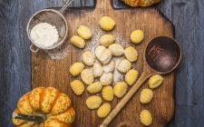 Gli gnocchi di zucca gratinati, la ricetta del primo autunnale