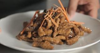 Maiale bambù e funghi, dalla Cina