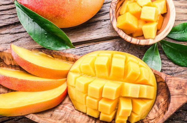 Il mango, le proprietà del frutto esotico