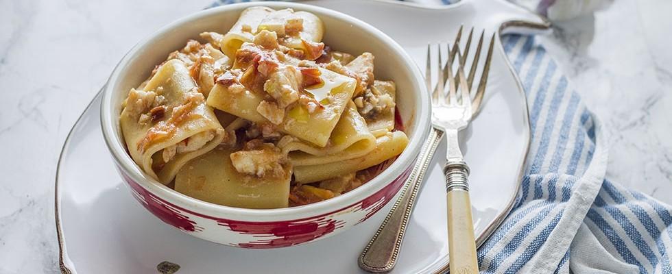 Pasta con lo scorfano: primo piatto di mare