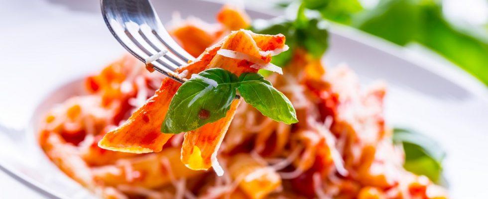 Come fare la pasta con peperoni: ecco la ricetta da provare