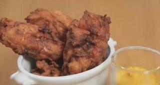 Pollo fritto speziato: da leccarsi le dita
