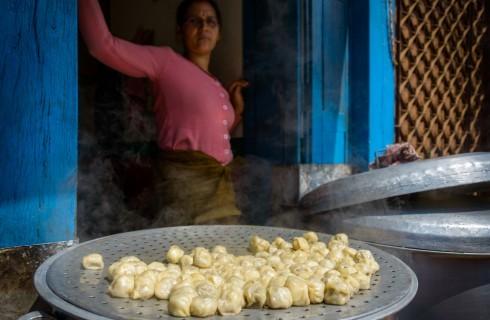 Tradizioni lontane: cosa sono i momo nepalesi?