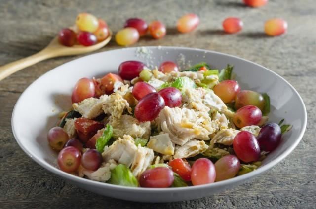 insalata pollo e uva