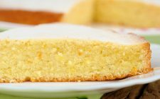 La torta al limone e ricotta senza burro con la ricetta leggera