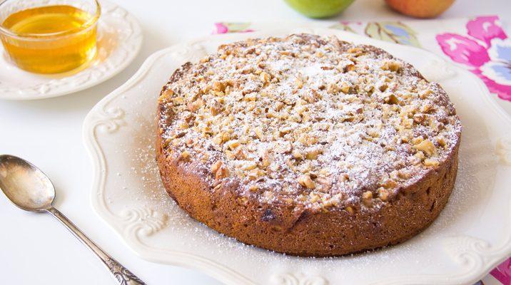 La torta alle noci e miele: ecco la ricetta ideale per la colazione