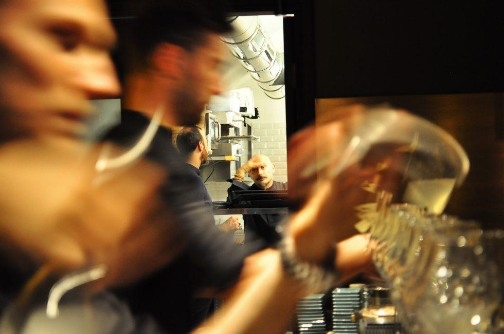 Yugo sake dinner con Anthony Genovese - Foto 1