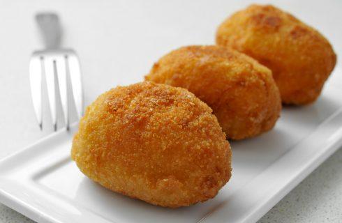Gli arancini alla zucca da fare in casa con la ricetta passo passo