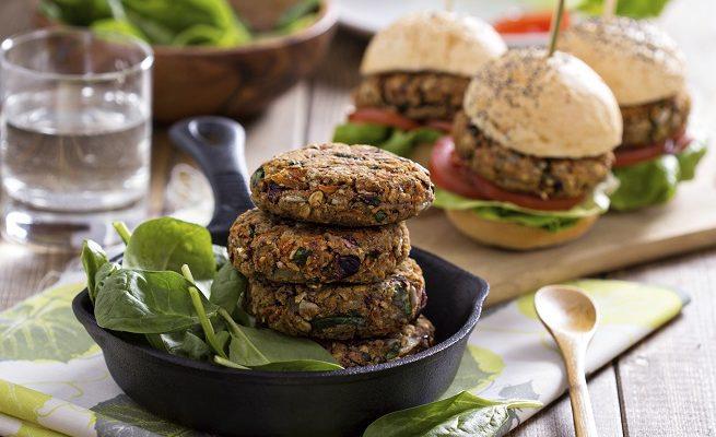 Come fare l'hamburger di farro e broccoli