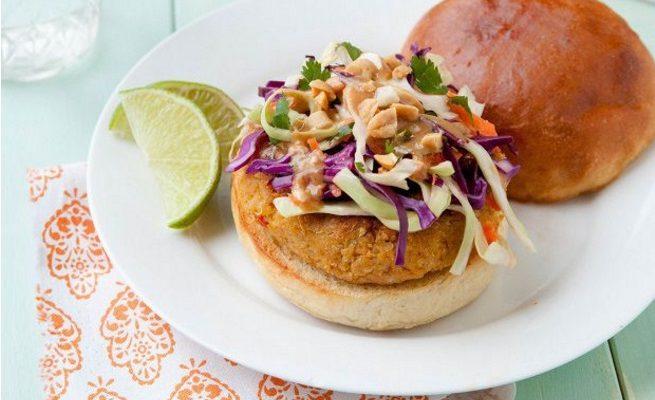 L'hamburger di farro e carote con la ricetta facile