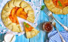 La crostata di cachi e mele con la ricetta semplice