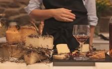 Comporre un tagliere di formaggi affinati