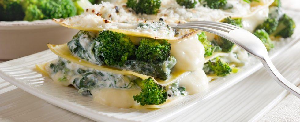 La ricetta delle lasagne con broccoli e salsiccia per il pranzo della domenica
