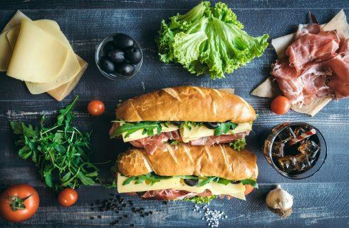 Come fare in casa i panini alla piastra: le ricette e i trucchi