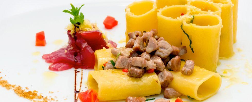 La pasta tonno fresco e capperi con la ricetta per un primo gustoso