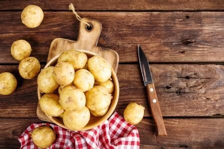 Come fare le patate novelle nel forno a microonde