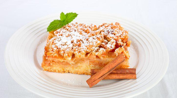 Come preparare la sbriciolata alle mele con la ricetta di Benedetta Parodi
