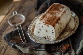 Semifreddo stracciatella al cioccolato bianco