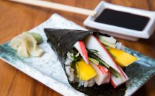 Il temaki fatto in casa con la ricetta originale giapponese