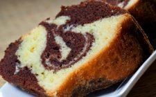 Come preparare la torta bicolore senza burro e latte