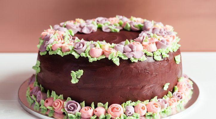 Come decorare una torta al cioccolato con i consigli di Blogo