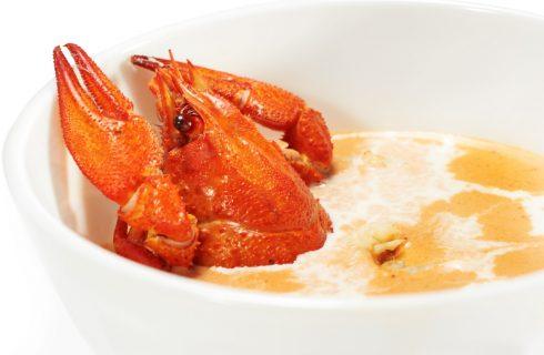 La ricetta della vellutata di topinambur e gamberi per un pranzo raffinato