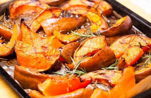 La zucca in padella con rosmarino, il piatto semplice per Halloween