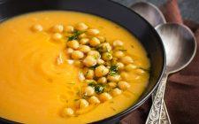 La ricetta della zuppa di zucca e ceci per l'autunno