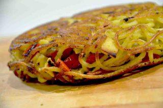 Apre Giri di Pasta a Napoli: la frittata di pasta diventa da passeggio
