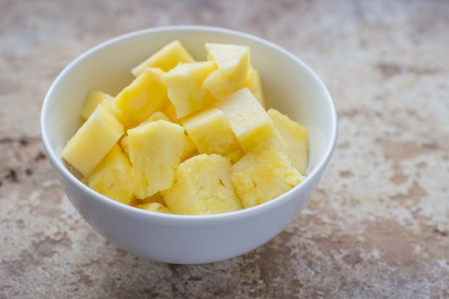 step-2-insalata-di-pollo-e-ananas