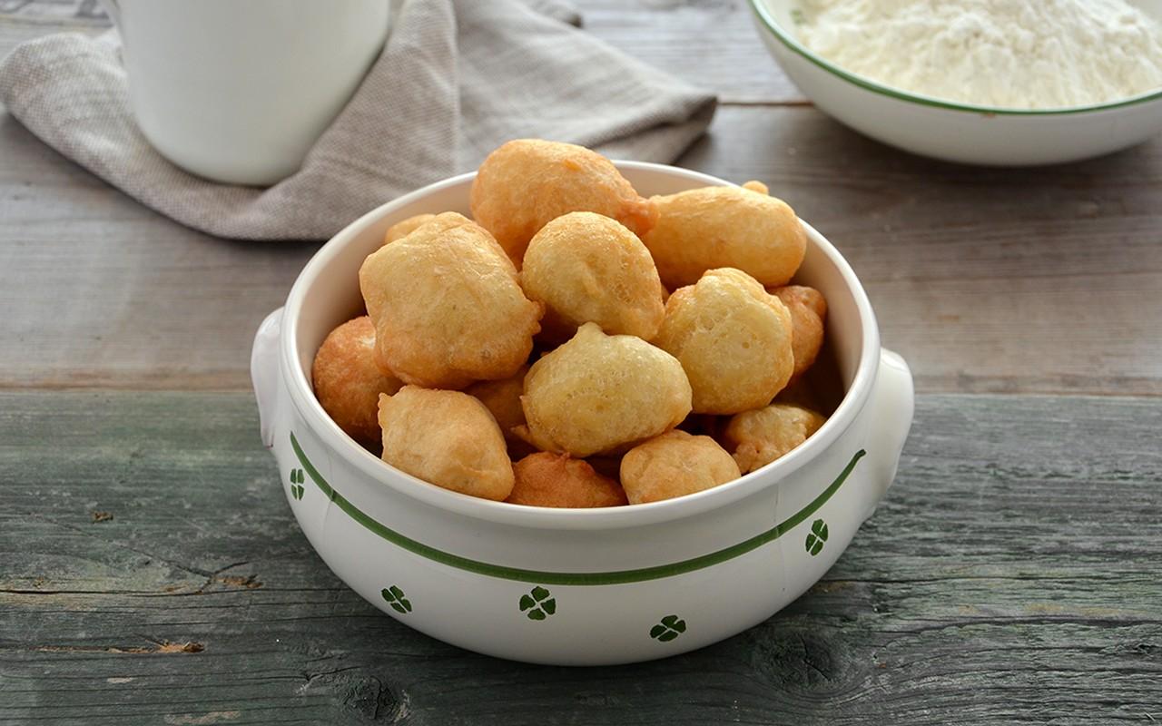 Pettole pugliesi ricetta impasto e cottura agrodolce for Cucina tipica romana ricette