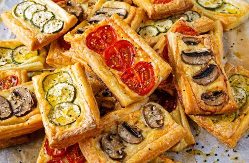 5 idee su come condire le pizzette di pasta sfoglia
