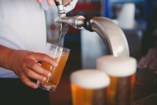 Le 10 cose da sapere per servire una buona birra