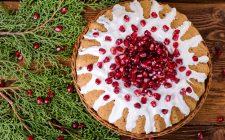 La torta al melograno e cioccolato bianco, la ricetta per Natale