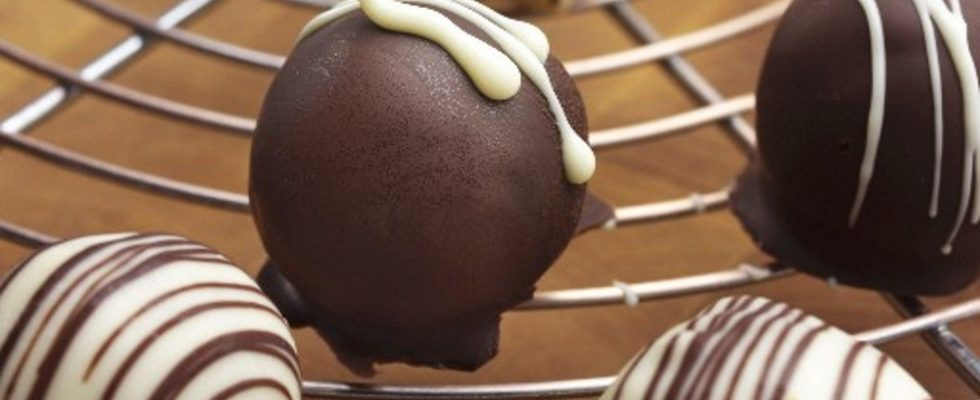 Cioccolatini ripieni di cioccolato e nocciole