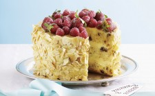 Panettone with vanilla cream, fresh raspberries and slivered almonds