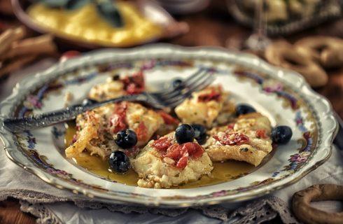 I crostini di polenta con lardo di colonnata, antipasto del pranzo di Natale